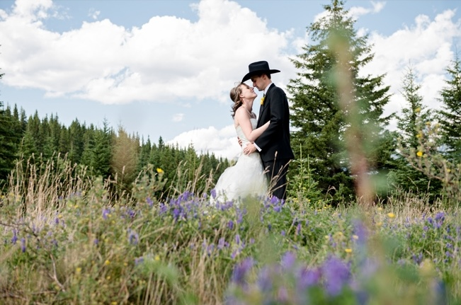 Rustic-Mountain-wedding