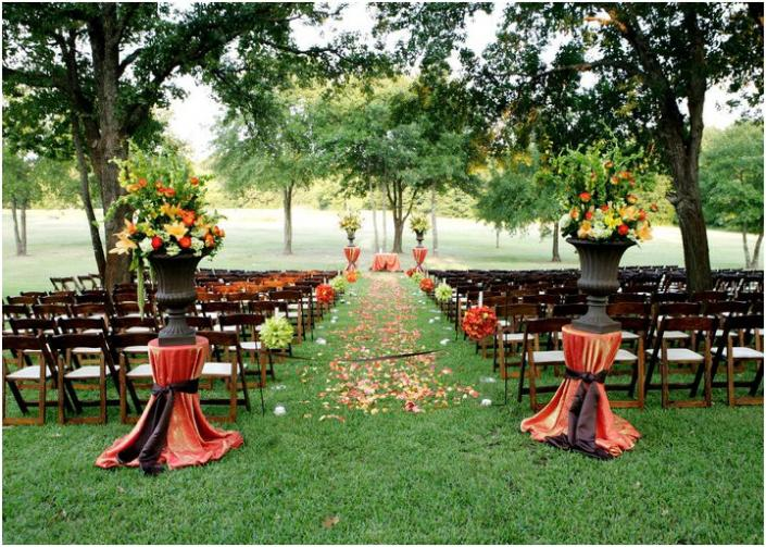Simple Outdoor Ceremony Decorations: DIY Wedding Trends 2014