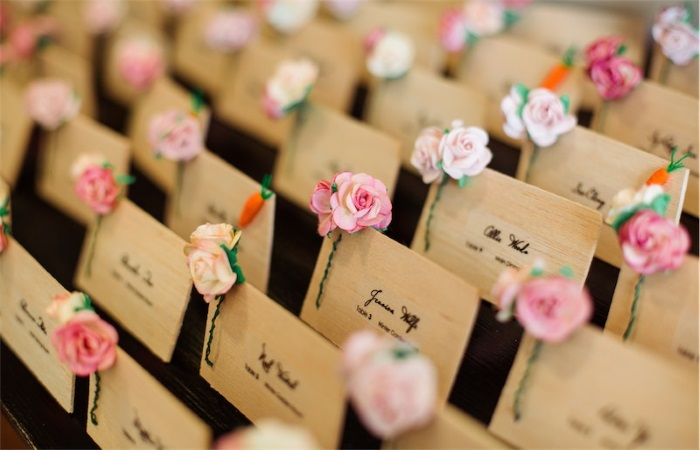 15 best ways to use diy paper craft in your wedding Unique place card ideas