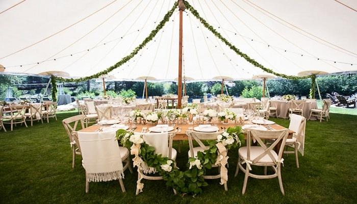 Reveal Your Wedding Theme By Customized Wedding Tent Decor Ideas