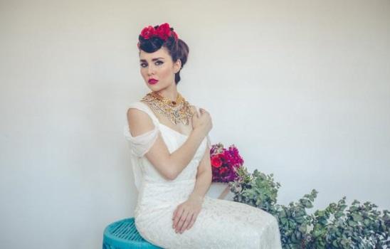 Spanish-Bridal-Hair-Updo-A2zWeddingCards