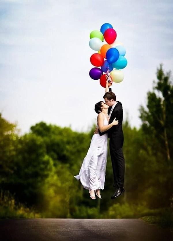 Creative-wedding-photo-with-balloon-4-A2zWeddingCards